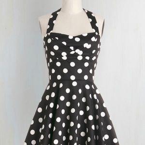 Traveling Cupcake NWT Dress M